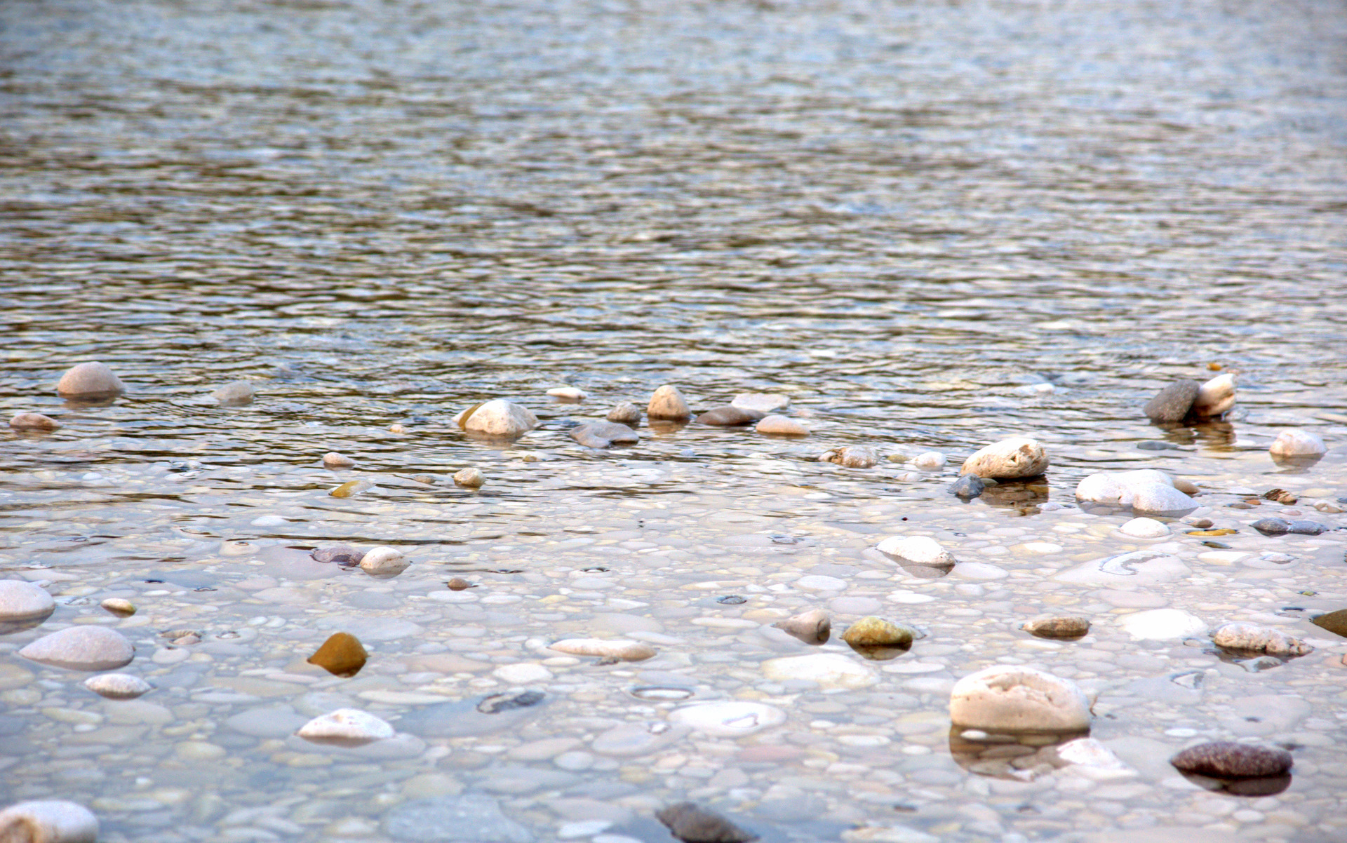 River stones wallpaper